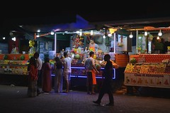Jemaa El Fna by night - Marrakesh (Saf') Tags: morocco maroc marrakesh marrakech jemaa el fna street vendor night neon orange juice place food moroccan south