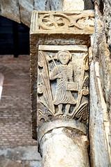 Iglesia de San Pedro de la Nave, capitel representando a S. Pedro (ipomar47) Tags: arquitectura architecture iglesia templo church pedro nave sanpedrodelanave elcampillo zamora españa visigodo bisigotico preromanico visigothic visogothic visogoth preromanesque pentax k3ii