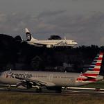 American Airlines / Airbus A321-231 / N583UW & Alaska Airlines / Boeing 737-800 thumbnail