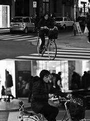 [La Mia Città][Pedala] (Urca) Tags: milano italia 2018 bicicletta pedalare ciclista ritrattostradale portrait dittico bike bcycle nikondigitale scéta biancoenero blackandwhite bn bw 115840