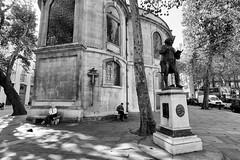 Samuel Johnson (MKHardyPhotography) Tags: mkhardy london street samuel johnson blackandwhite