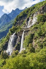 Cascata dell'Acquafraggia (cesco.pb) Tags: valchiavenna valtellina lombardia lombardy canon canoneos60d tamronsp1750mmf28xrdiiivcld italia italy alps alpi montagna mountains cascata acquafraggia