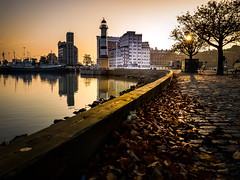 Autumn morning (Maria Eklind) Tags: himmel sweden malmö autumnmorning sky skånelän sverige se fyr reflection spegling lighthouse