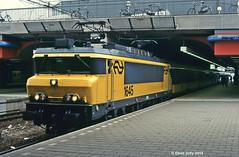 NS 1645 (Hoover 29) Tags: electric nederlandsespoorwegen class16 1645 passengertrain ic949 amsterdamsloterdijk amsterdam holland