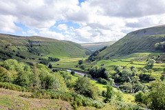 SJ1_0899 - Swaledale, from Crackpot Hall (SWJuk) Tags: swjuk uk unitedkingdom gb britain england yorkshire northyorkshire yorkshiredales dales swaledale river riverswale crackpothall hills hillside moors moorland fields farmland drystonewalls trees sky skies clouds bluesky landscape countryside view 2018 sep2018 autumn holidays nikon d7200 nikond7200 18300mm rawnef lightroomclassiccc