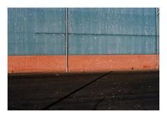Thyborøn, Denmark, 2018 (csinnbeck) Tags: contax rx 50mm 5014 thyborøn denmark film analog kodak portra 160 zeiss cy t wall shadow red blue planar