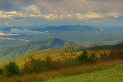 Cold Mountain: Clouds and morning light in the valley (Shahid Durrani) Tags: cold mountain oronoco southwestern virginia