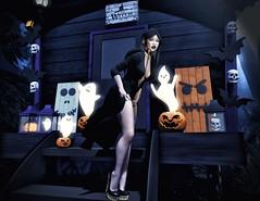 In the dark (eloen.marie) Tags: horror halloween autumn secondlife sl virtual night dead fashion flawsome theavenue beedesigns halloweentown evolove elise blackfair fabia cosmopolitan collabor88 ison dulcesecrets welovetoblog wltb sntch decor