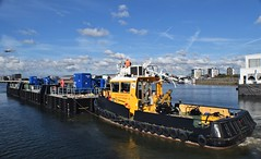 SWS Essex + SWS Breda + WF Pontoon (34) @ KGV Lock 18-10-18 (AJBC_1) Tags: london tug ©ajc dlrblog england unitedkingdom uk ship boat vessel northwoolwich eastlondon newham nikond3200 tugboat londonboroughofnewham royaldocks kgvlock kinggeorgevlock londonsroyaldocks docklands marineengineering swalshsonsltd swsbreda swsessex walsh blackfriarspier tflriver ajbc1 woolwichferrydockingpontoon ravesteinbv kgvdock riverthames gallionsreach kinggeorgevdock nikond5300 woolwichferryberthingpontoon intelligentdocklockingsystem idl automatedmagneticmooringsystem mampaeyoffshoreindustries