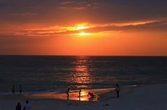 today's sunset (Kero-ppi) Tags: sea sky beach people sunset cloud