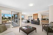 74 Commodore Drive, Surfers Paradise QLD
