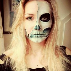 Cool Makeup Idea for Halloween  Makeup by @geek.n.makeup (ineedhalloweenideas) Tags: ineedhalloweenideas halloween makeup make up ideas for 2017 happy night before christmas october 31 autumn fall spooky body paint art creepy scary pumpkin boo artist goth gothic