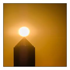 (Laetitia.p_lyon) Tags: fujifilmxt2 lyon crayon partdieu sunrise leverdusoleil leverdujour tour building