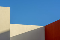 Red and white walls (Jan van der Wolf) Tags: map182166v gevel gebouw building fuerteventura red redrule rood white wit wall muur geometric geometry geometrisch geometrie shadow shadowplay schaduw schaduwen schaduwspel