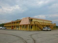 former L&K Restaurant & Motel, Curry Rd, Wilmington, OH (12) (Ryan busman_49) Tags: lkmotel lkrestaurant lkrestaurantmotel restaurant motel former wilmington oh ohio