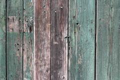 Gebrauchsspuren (dorothea knie) Tags: holz wood grün green struktur structure alt old