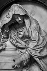 Abbey Statue (chabsh123) Tags: abbey bath england fuji xpro2 lightroom silverefexpro bw