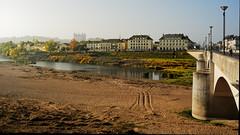 La Loire à Saumur (Chrisar) Tags: saumur loire angénieux3570 nikond750 rivière dxophotolab