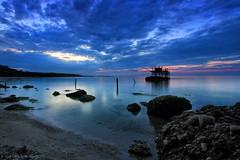 Spiaggia Punta Aderci (Ivano Di Benedetto) Tags: spiaggia tramonto sunset sea mare vasto adriatico acqua clouds blue beach costadeitrabocchi abruzzo meer sonnenuntergang mer blu nuages strand plage landscape water wasser
