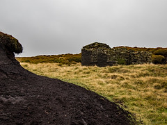 Wrigley's Cabin and Moorland (Craig Hannah) Tags: holmevalley wessenden walk walking stroll wander ramble pennine pennines peakdistrictnationalpark peakdistrict westriding westyorkshire holmfirth path trail track craighannah october 2018 photography photos canon england uk landscape clouds sky moorland