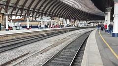 D213 t&t D1924 (40013/47810) 1Z13 York station 06/10/2018. (Dan-Piercy) Tags: locomotiveservices class40 d213 class47 d1924 47810 yorkstation plt3 1z13 crewe scarborough charter