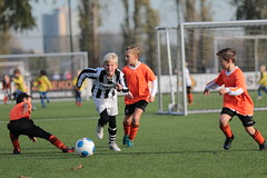 """HBC Voetbal • <a style=""""font-size:0.8em;"""" href=""""http://www.flickr.com/photos/151401055@N04/43910414300/"""" target=""""_blank"""">View on Flickr</a>"""