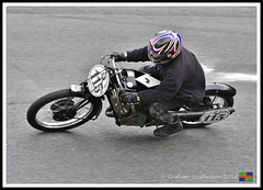 Roger Moss (7) (nowboy8) Tags: nikon nikond7200 vmcc cadwell cadwellpark bhr lincolnshire 300918 vintage classic wolds motorcycle