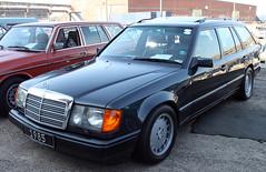 300TE (Schwanzus_Longus) Tags: bremen schuppen 1 eins german germany old classic vintage car vehicle station wagon estate break kombi combi mercedes benz w124 300te