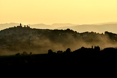 Colline marchigiane al tramonto (luporosso) Tags: natura nature naturaleza naturalmente nikon nikonitalia nikond500 colline hills marche italia italy tramonto sunset silhouette siluetas