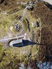 Chapelle sur le Mont Saint Michel de Braspart (France, Bretagne, Finistère) (pascalkerdraon) Tags: france bretagne brittany finistere penn pen ar bed monts darrée parc naturel régional darmorique yeun chapelle saint rivoal