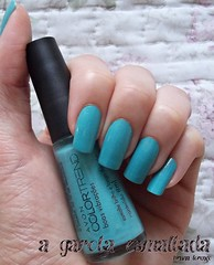 Esmalte Boas Vibrações, da Avon. (A Garota Esmaltada) Tags: agarotaesmaltada unhas esmaltes nails nailpolish manicure boasvibrações avon colortrend queromais azul blue
