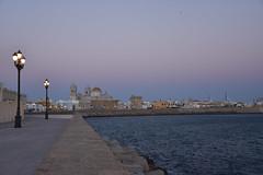 IMG_18_09_28_d (PetitLutin) Tags: cadiz cadix espagne andalousie nuit lampadaire ville mer