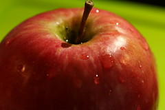 A croquer ! (domiguichard) Tags: macro red apple pomme rouge