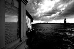 000689 (la_imagen) Tags: türkei turkey türkiye turquía istanbul istanbullovers üsküdar maidentower mädchenturm kızkulesi boğaz bosporus bosphorus sw bw blackandwhite siyahbeyaz monochrome cloud sky
