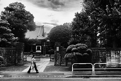 Passante (lunecoree) Tags: 日本国 japon japan 東京 tokyo fujifilm xt20 23mm