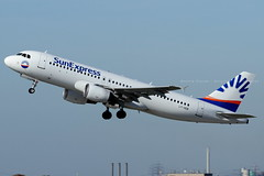 LY-VEB // SunExpress // A320-214 (Martin Fester - Aviation Photography) Tags: lyveb sunexpress airbus a320214 a320 airplane aircraft duseddl dusseldorfinternationalairport dus plane aviation aviationonflickr aviationgeeks flickraviation flugzeuge takeoff