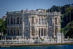 08082011-IMGP0911 (Mario Lazzarini.) Tags: palazzo elegante barocco bosforo istanbul turkey turchia colonne finestre architettura sea mare historic old