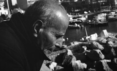 9302.Lulu (Greg.photographie) Tags: chinon pentax smc 50mm f2 film analog foma fomapan 100 r09 standdev stand portrait lulu lucien noiretblanc bw blackandwhite
