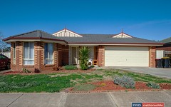 21 Meadow Glen Drive, Melton West VIC