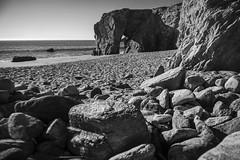 L' Arche de Port-Blanc,Pointe du Percho, Quiberon... (De l'autre côté du mirOir...) Tags: larchedeportblanc pointedupercho quiberon bretagne breizh brittany fr france french paysage océan mer plage falaise