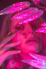 Patrick Rigon - Ensaio para o Projeto 3xFluído (Editorial J) Tags: nonbinarie gender nogender pink purple portoalegre art arte jornalismo journalism photo photoshoot ensaio genero semgenero glitter sonho surreal surrealista