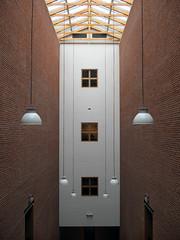 Bonnefantenmuseum_01 (Kurrat) Tags: bonnefantenmuseum maastricht treppenhaus lampe beleuchtung museum eingang