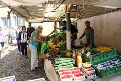 Vacances_0584 (Joanbrebo) Tags: freiburg freiburgimbreisgau de deutschland mercadillo mercado mercat market food comida menjar canoneos80d eosd efs1855mmf3556isstm autofocus gente gent people streetscenes
