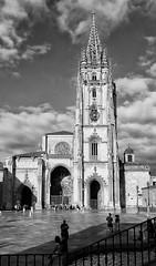 Cathedral of San Salvador in Oviedo, Asturias, Spain (Randy Durrum) Tags: cathedral san salvador oviedo spain asturias black white camino de santiago primitivo durrum samsung s9