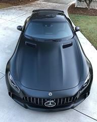 Bên trong khoang nội thất của GLC 200 có những gì? (germanycar) Tags: car nice mercedes benz amg black