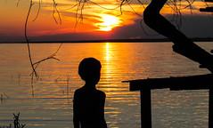 Pôr do sol - SX510 - Canon (rafaelludete) Tags: rio sol garoto boy