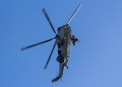ZA128 Royal Navy Westland Sea King ASaC7 @ HMS Sultan, Gosport, Hampshire. (PoSm Photography) Tags: fleet air arm military helicopter chopper flying flight grey sky formation avgeek plane airplanes avgeeks