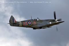 7337 Spitfire MT928 (photozone72) Tags: canon canon7dmk2 canon100400f4556lii 7dmk2 aviation aircraft duxford iwmduxford spitfire warbirds wwii