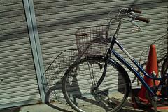 20180928_SDIM5012 (NAMARA EXPRESS) Tags: street bicycle vehicle shutter daytime autumn fall fine outdoor color hattori toyonaka osaka japan spp spp661 foveon x3 sigma dp2 namaraexp