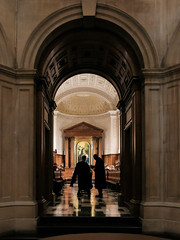 Clare College Chapel (Sir Cam @camdiary) Tags: cambridge camdiary cambridgeuniversity clarecollege chapel service christian master dean lordgrabiner choir